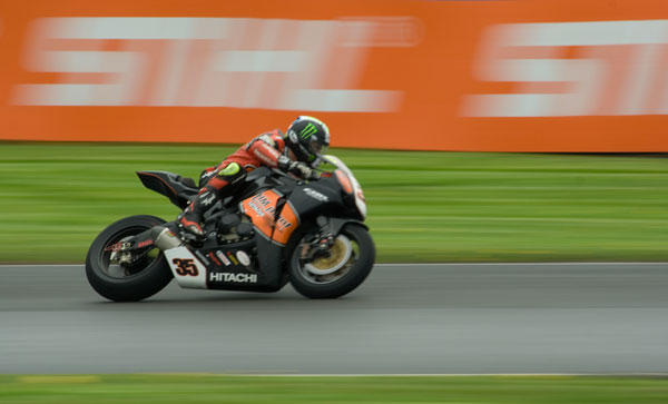 Cal Crutchlow at the British Superbikes at Oulton Park May 08