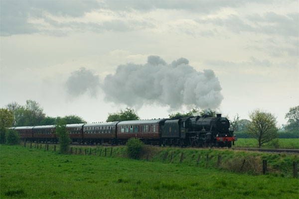 Steam Day Special Stanier Black5 45407 - Down the Middlewich Line