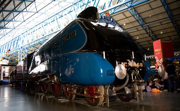 LNER 4-6-2 A4 class No 4468 Mallard